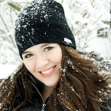 Profil Pengguna Deanna