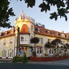 Wellness Hotel Balaton — хозяин.