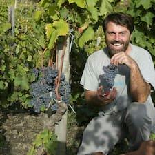 Davide Bentivegna is the host.