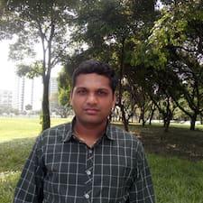 Kalyan Chakravarthi è l'host.