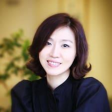โพรไฟล์ผู้ใช้ Stacey Nakyung