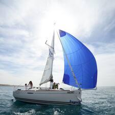 Sailor je domaćin.