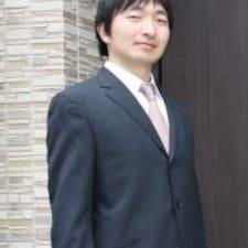 Takashi ist der Gastgeber.