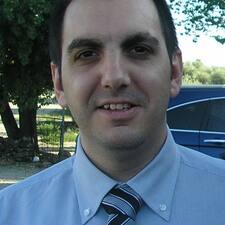 Miguel Ángel คือเจ้าของที่พัก