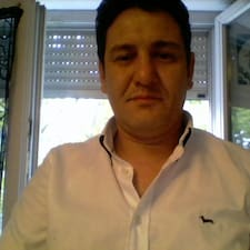 Mohamed Cherif es el anfitrión.