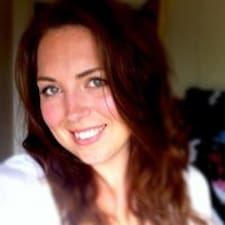 Profil korisnika Adrianne