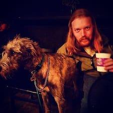 Conor คือเจ้าของที่พัก
