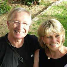 Helga & Alain ist der Gastgeber.