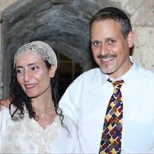 Avi & Yehudit คือเจ้าของที่พัก