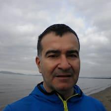 Claudio Luigi es el anfitrión.