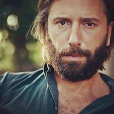Το προφίλ του/της Stefano