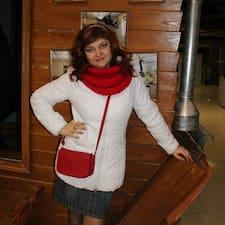 Olga est l'hôte.