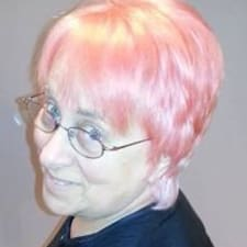 Profilo utente di Karolyn