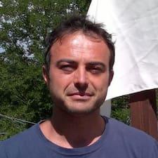 Luca Paolo es el anfitrión.