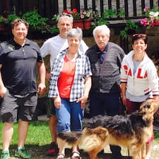 Mauro & Family es el anfitrión.