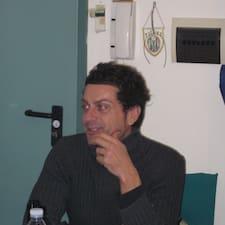 Riccardo ist der Gastgeber.