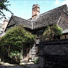 Clay Hall House Brugerprofil