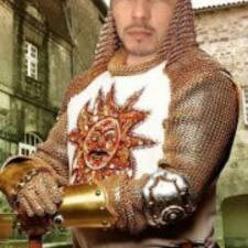 Hamid — хозяин.