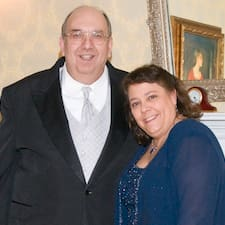 Peter And Robyn — хозяин.