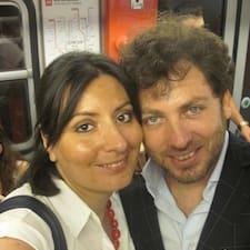 Salvo & Simona - S.& S. ist der Gastgeber.