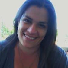 Gimena Sara is the host.