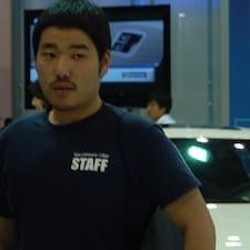 Hyun Tae的用户个人资料