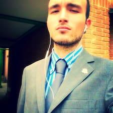 Lorenzo Maria — хозяин.
