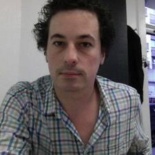 Hugues felhasználói profilja
