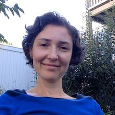 โพรไฟล์ผู้ใช้ Simona