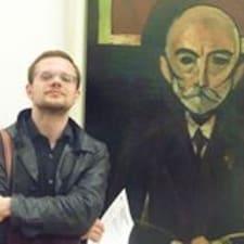 Grigory — хозяин.