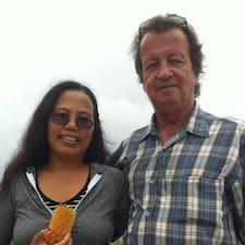 Profil Pengguna Peter &  Wife Helen