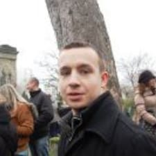 Paweł è l'host.