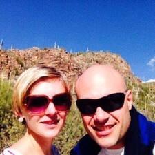 โพรไฟล์ผู้ใช้ Alex And Kirsti