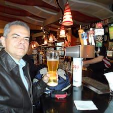 Romero es el anfitrión.