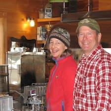 Ken & Marcia Superhost házigazda.