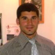 Manuel A. est l'hôte.