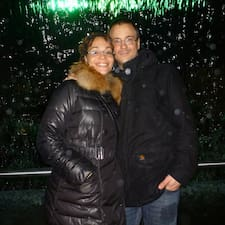 Julia & Julien User Profile