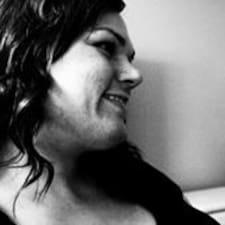 Profil korisnika Carleen