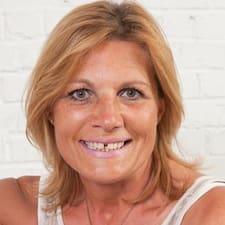 Anne-France User Profile