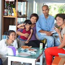Think & Retro Cafe Lipa Noi Samui est l'hôte.