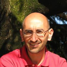 Massimiliano ist der Gastgeber.
