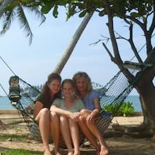 Claire, Paulina & Carlotta คือเจ้าของที่พัก
