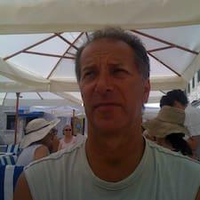 Božo is the host.