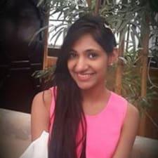 Aashnaさんのプロフィール