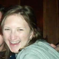 Profil Pengguna Emily Hepburn