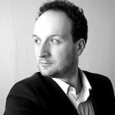Carlo Lorenzo的用戶個人資料