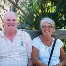 โพรไฟล์ผู้ใช้ Scott & Judy