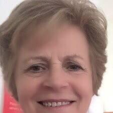 Sue — хозяин.