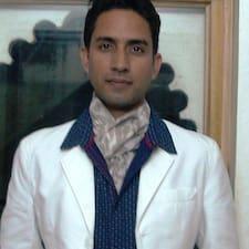 Nagendra — хозяин.