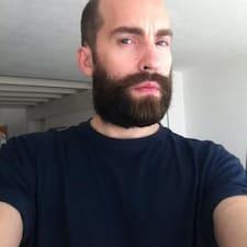 Simão User Profile